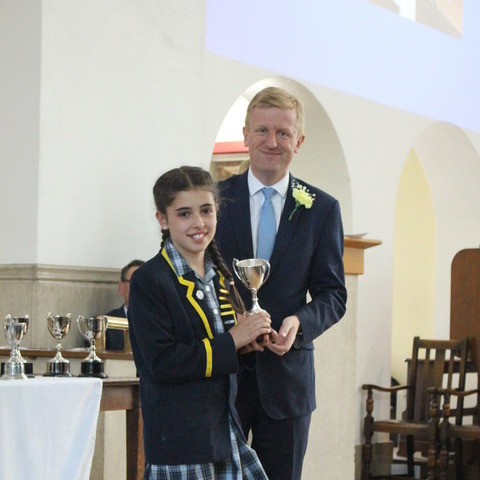 Oliver Dowden MP hads out prizes at Aldenham Prep School Visitation Day