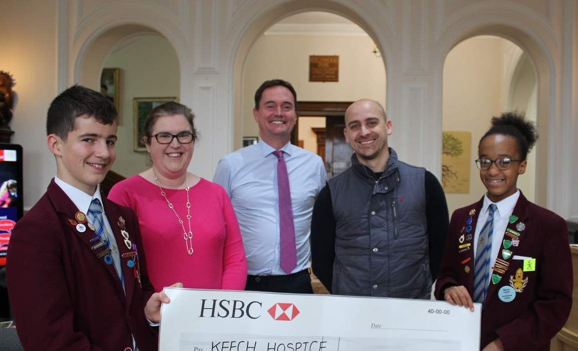 Beechwood Park School presents cheque to Keech