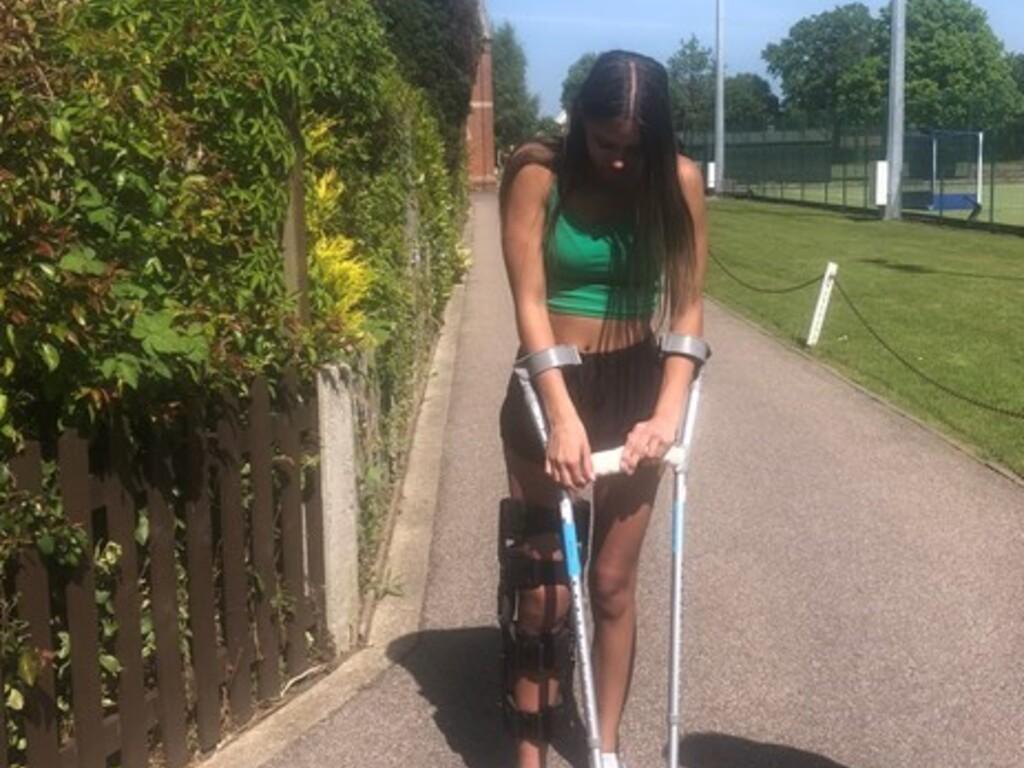 Clarise taking part in Weald Will Walk 500 Miles 1 (2)