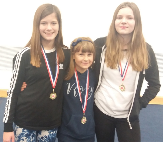 l-R Charlotte, Roxolana and Isabelle Bromley High Chess Team Reach National Final