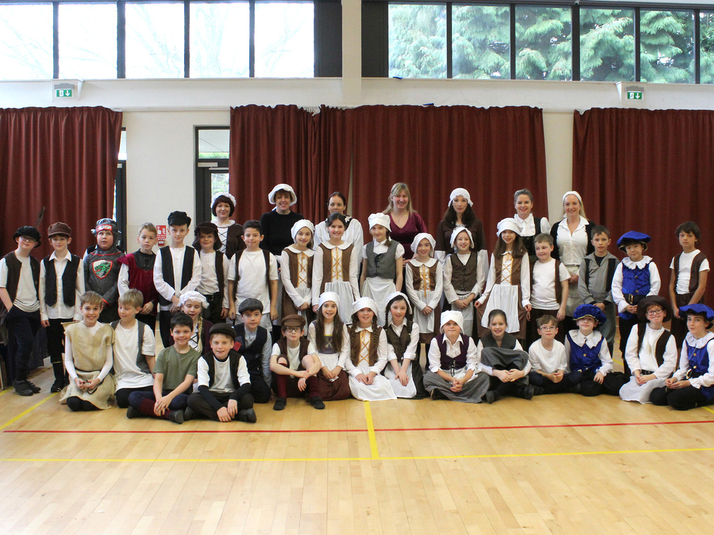 J5 Tudor Day Group