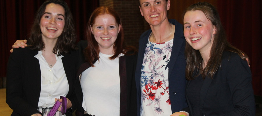 Heather Stanning OBE with pupils from Dauntsey's