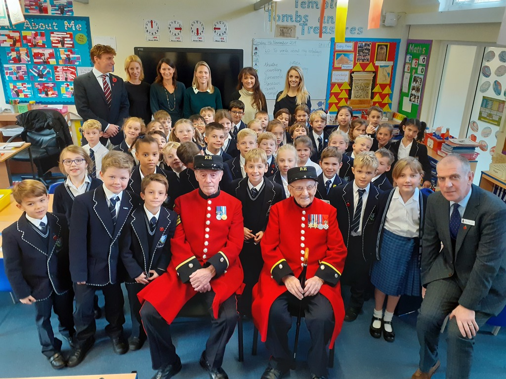 Chelsea Pensioners with Year 3 pupils