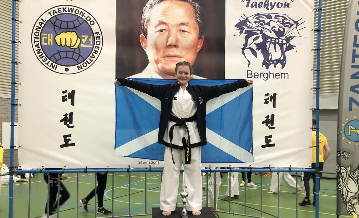 Sophie Spark-James winning the Dutch Open Taekwondo competition to become Taekyon Berghem Junior Patterns Champion November 2019