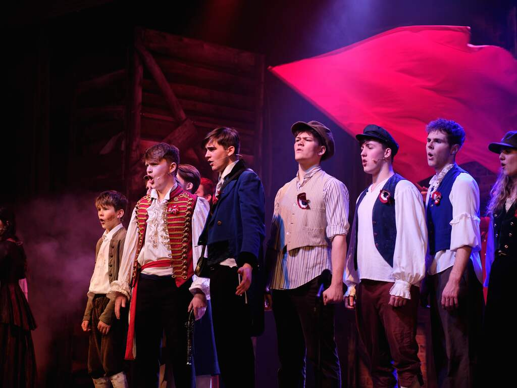 LOUGHBOROUGH PUPILS SHINE IN SOLD OUT PERFORMANCE OF ICONIC WEST END SHOW