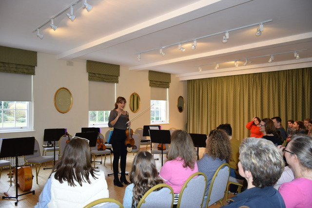Manor House Music Scholars Play for World Famous Classical Violinist