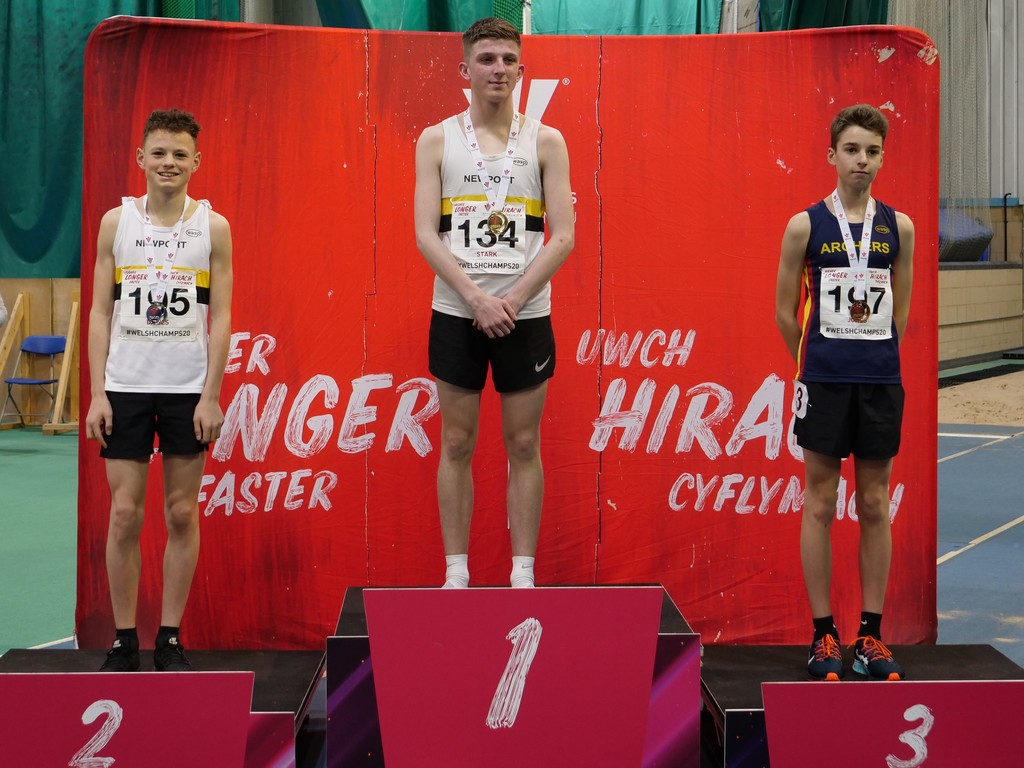 Harry Dawes took second place in the Under-15 Boys 800m.