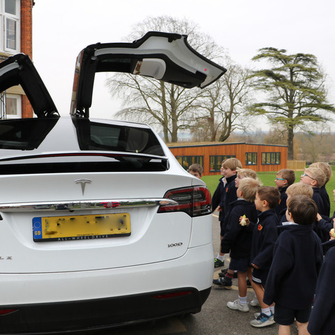 Year 1 Pupils get hands on with the Tesla