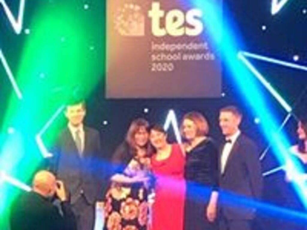 Notre Dame team accept their prestigious TES Award