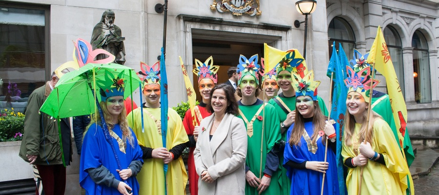 Oundle pupils with Head Sarah Kerr-Dineen at Lord Mayor's Show