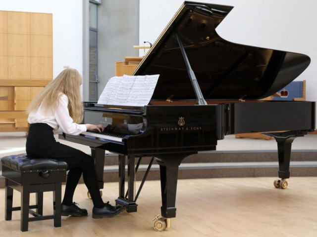 1666 Grace Spalton, Pangbourne College, performing Chopin's Polonaise, Op. 26, No.1 in Solo Advanced, 18 and under (Grades 7-8) class