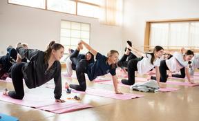 Yoga U4