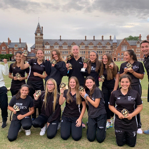 Bede's U15 Girls Cricket Team at the National Schools Sports Magazine Final, pictured with Petch Lenham and James Kirtley