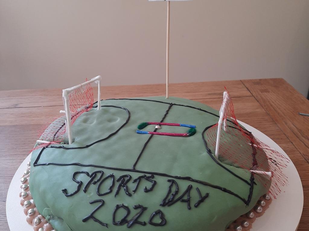cake - Rhona Nesbitt