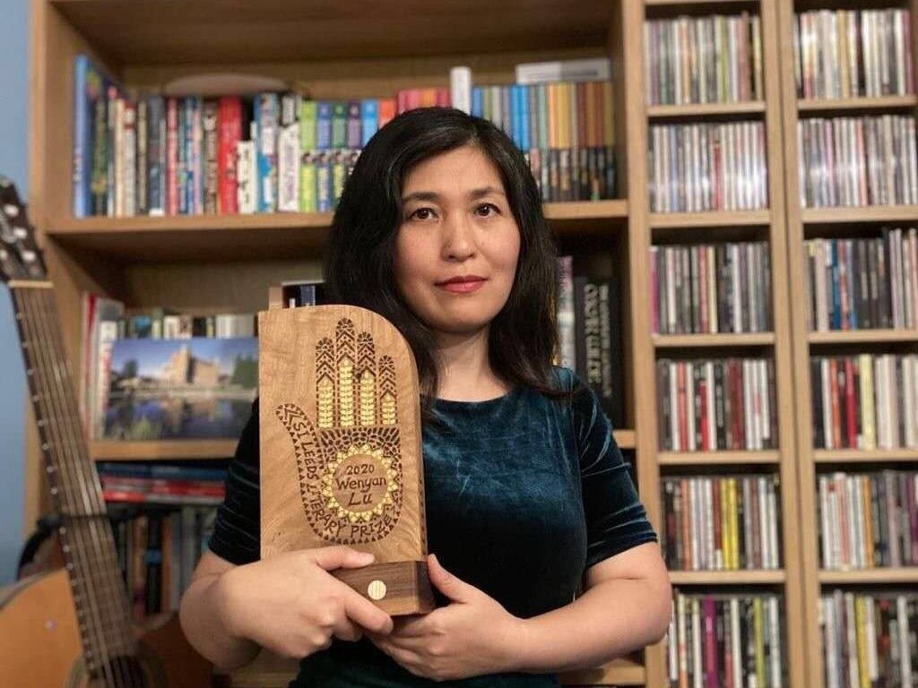 St Mary's Mandarin teacher wins prestigious literary prize