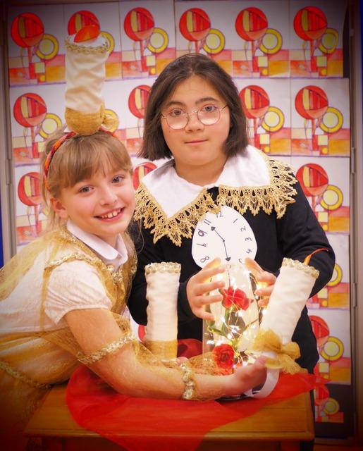 Eva and Emilia (2)