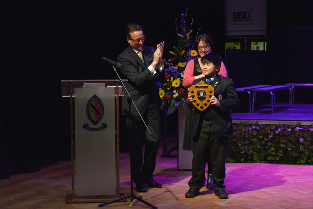 Old Scholar and British Classical Viola Soloist, Philip Dukes, applauds this year's winner