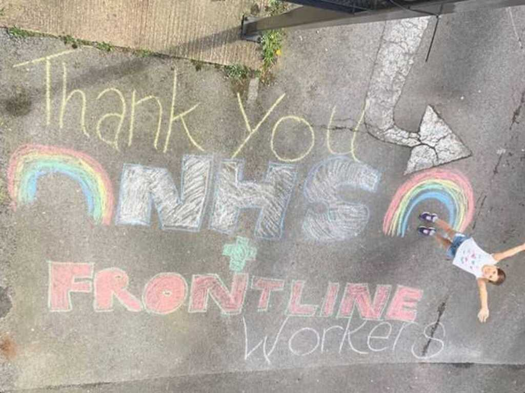 Macey Bassam creates street art for NHS workers