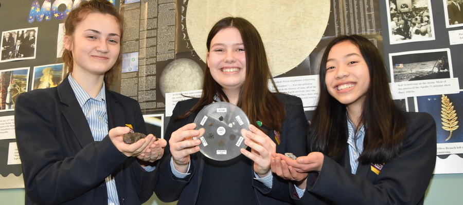Withington-Year-9-Pupils-with-Extra-Terrestrial-Rocks